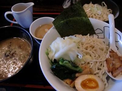 我琉家の激うま つけ麺と替え玉